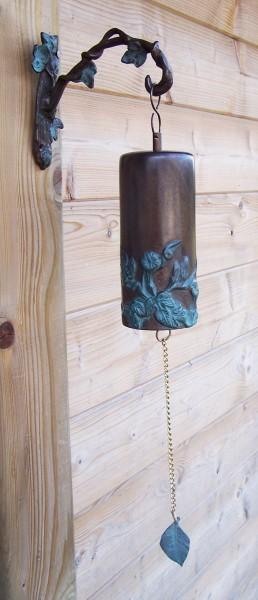 Bronze Gartenglocke mit Blumenmotiv